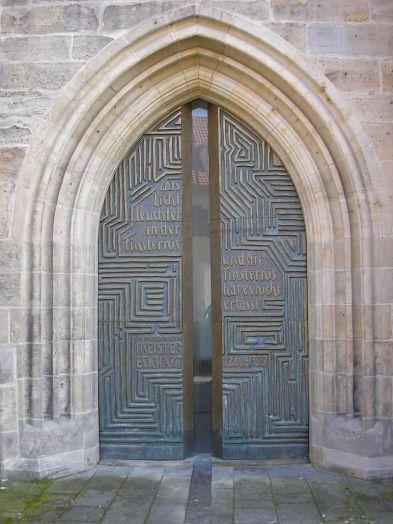 800px-Portal_Predigerkirche_Erfurt