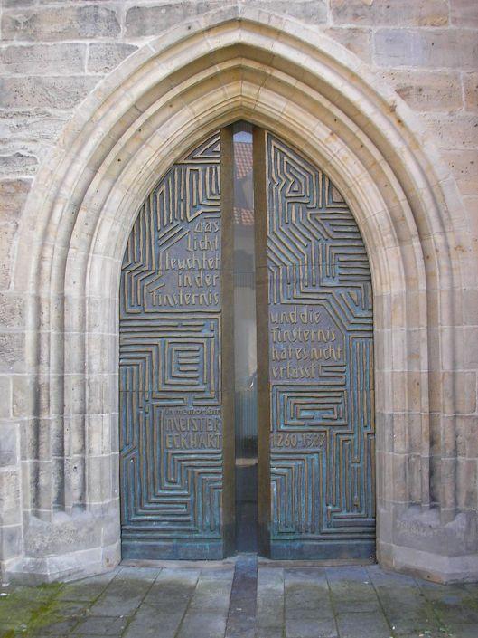 800px-Portal_Predigerkirche_Erfurt.JPG